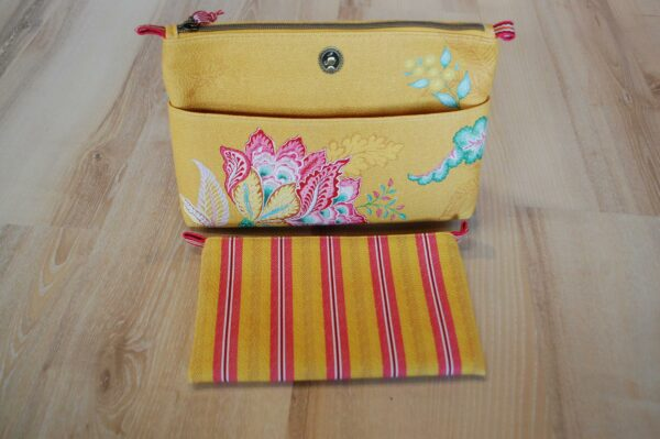 Cosmetic Bag Combi Jambo Flower Yellow PIP