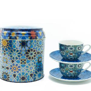 Tin box with 2 coffee cups & saucers
